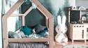 Łóżko domek a może bajkowe krzesełka? Sprawdź, jakie meble powinny znaleźć się w pokoju Twojego dziecka