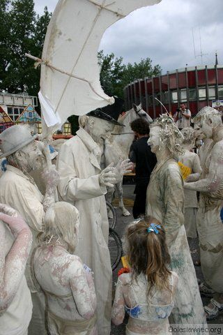 Parada glinoludów 33