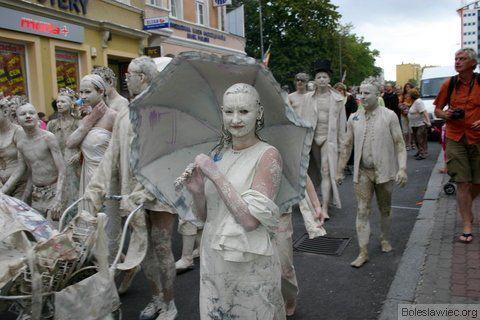 Parada glinoludów 34