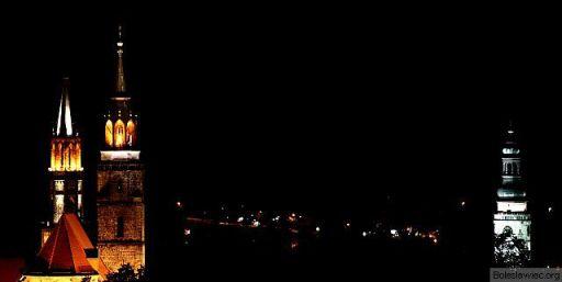 Kościoły i ratusz nocą