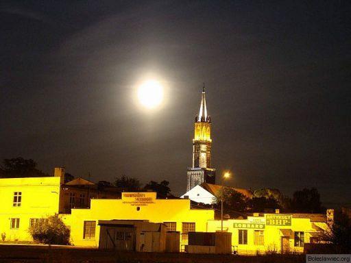 Kościoł i księżyc