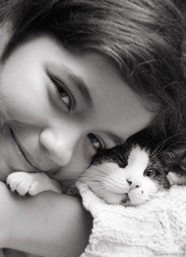 Dominika z kotkiem