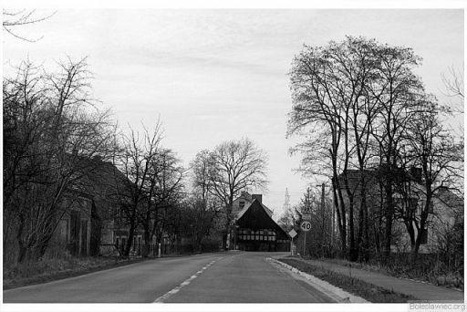 Przy głównej drodze