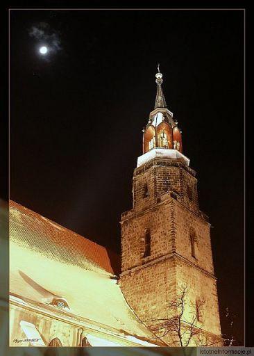 Księżyc i Wieża