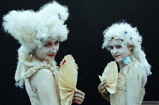 Biała dama i jej mama