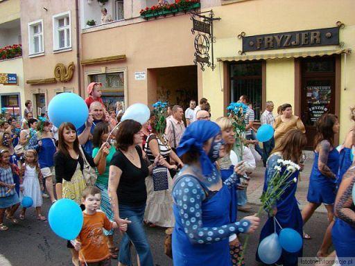 Zdobinki na ulicach Bolesławca