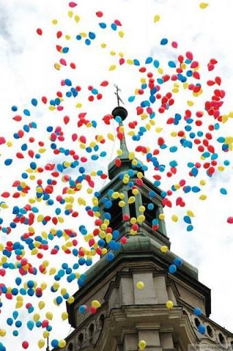 Balony nad miastem