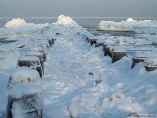 Falochron zimą