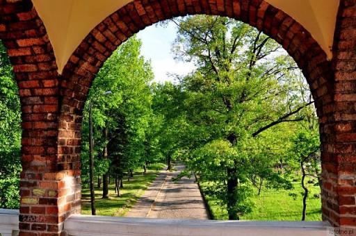 widok  z  Mostku Zakochanych