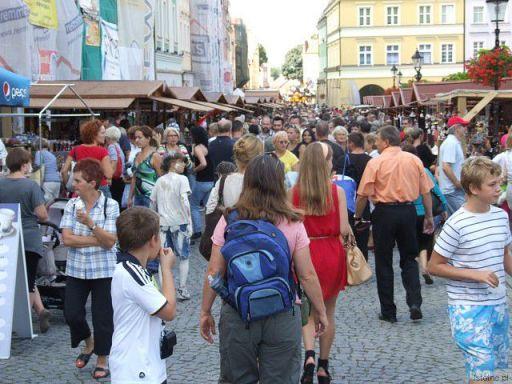 Święto Ceramiki 2012 - ludzie w Rynku