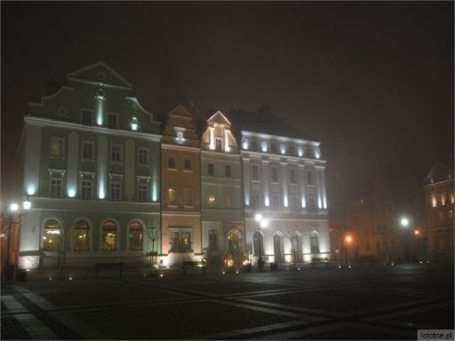 boleslawiec noca we mgle