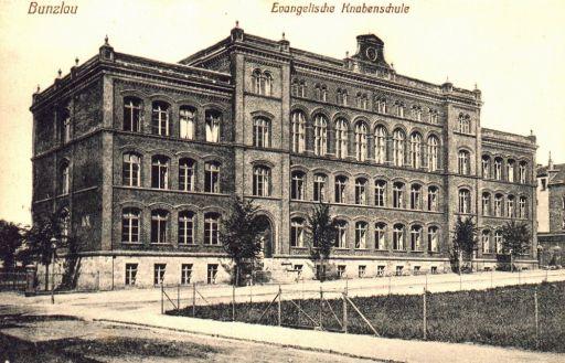 Szkoła przy ul. Komuny Paryskiej