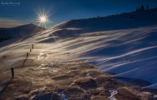 Wietrzny poranek w Karkonoszach