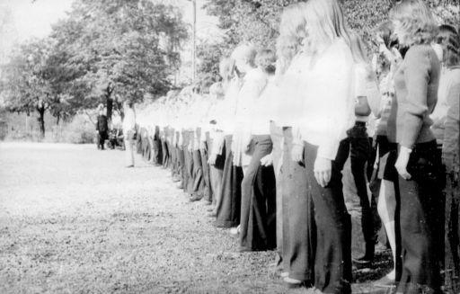 Ślubowanie klas pierwszych. (7.10.1973r)