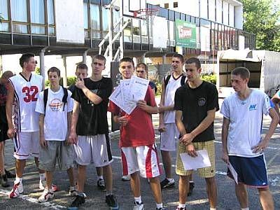 Zwycięzcy turnieju koszykówki