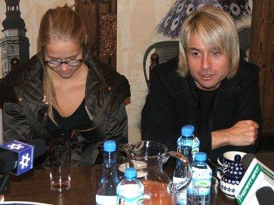 Piotr Rubik ze swoją dziewczyną