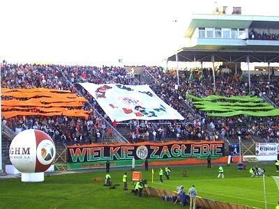 Stadion Zagłębia Lubin, trybuny w czasie meczu