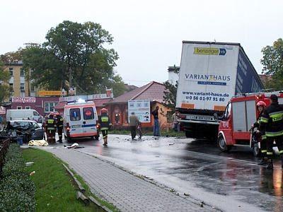 Ekipy ratunkowe na miejscu wypadku