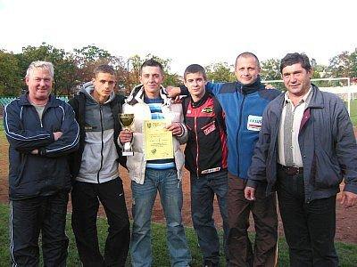 Reprezentacja Zespołu Szkół Budowlanych i organizatorzy mistrzos