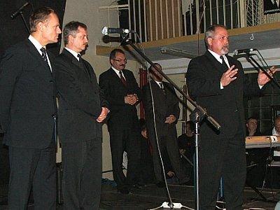 Donald Tusk, Dariusz Kwaśniewski, Cezary Przybylski i Karol Stas