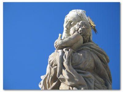 Bolesławiec: Barokowa rzeźba J. L. Webera przy Sanktuarium
