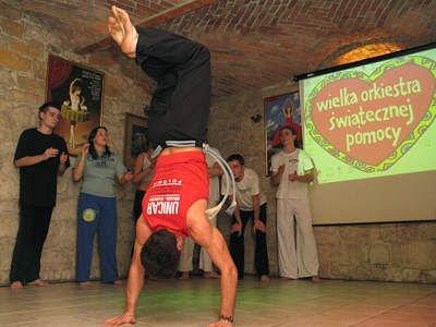 Pokaz Capoeiry w ramach WOŚP