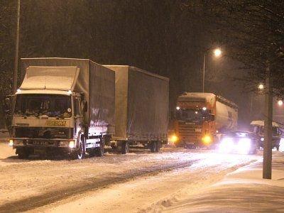 Samochody cieżarowe na al. Tysiąclecia