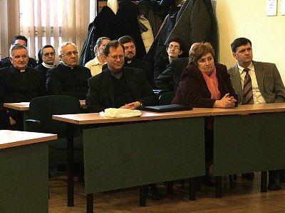 Księża z bolesławieckich parafii oraz przedstawiciele urzędu miasta