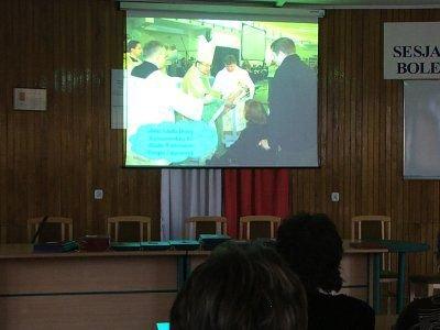 Prezentacja zdjęć z VII Spotkania Opłatkowego Osób Niepełnosprawnych