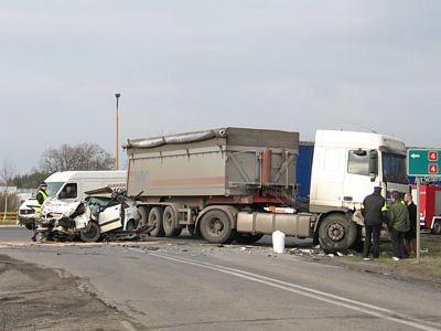 Do zderzenia doszło przed Brzeźnikiem na skrzyżowaniu z drogą na Ocice