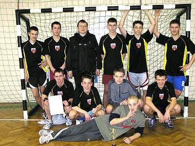 Zwycięska reprezentacja chłopców z Gimnazjum nr 2