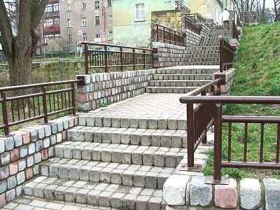 Schody łączące ulicę Kubika z ulicą Obrońców Helu