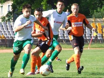 Marcin Potyszka walczy o piłkę