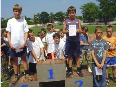 Młodzi lekkoatleci