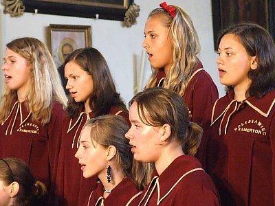 Dziewczęta z chóru Kamerton