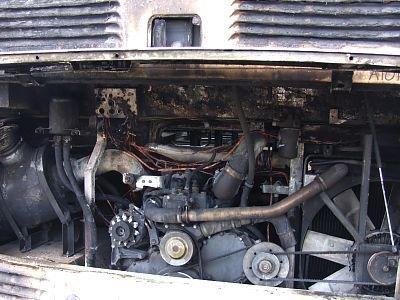 Nadpalony silnik autobusu