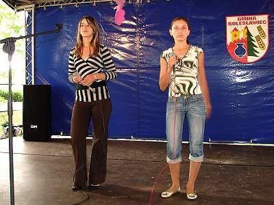 Dziewczęta w czasie występu