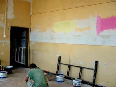 Prace remontowe w jednej z bolesławieckich szkół