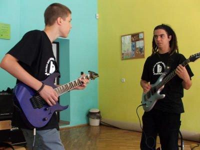 Dawid Gajewski i Jakub Dadyński, gitarzyści z Zielonej Góry