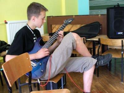 Igor Smaruj, 15-letni gitarzysta zespołu Uzanti