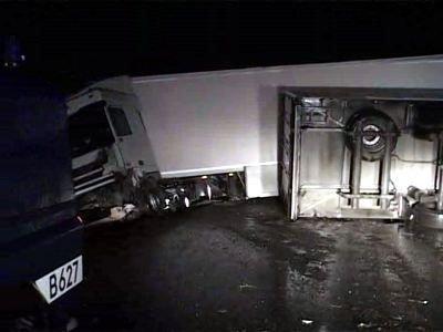 Przewrócone ciężarówki