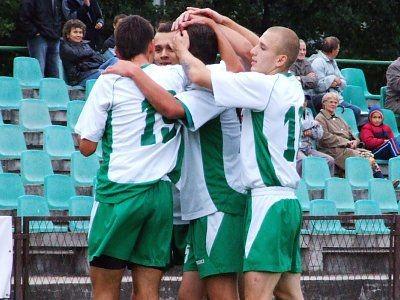 Dwa razy piłkarze BKS cieszyli się i dziękowali Łukaszowi Rudykowi