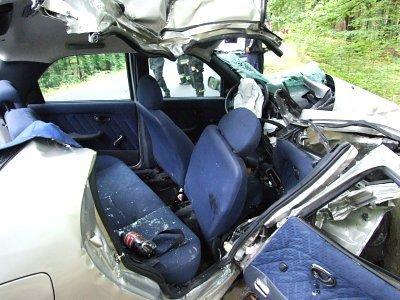 Wnętrze samochodu po wypadku