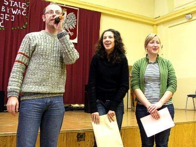 W środku Kamila Osuch - zwyciężczyni konkursu piosenki