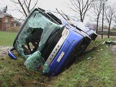 Autobusem jechała niemiecka młodzież, pięć osób zostało rannych