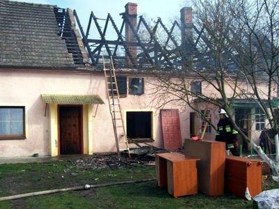 Spalony budynek w Nowej Kuźni