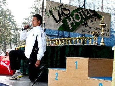 Na scenie: Marek Plawgo