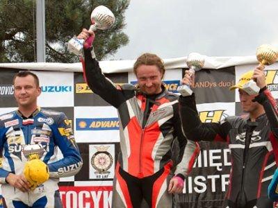 Mariusz Durynek na najwyższym stopniu podium