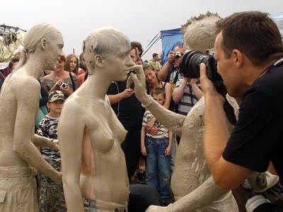 Jedna z uczestniczek odważyła się wystąpić topless