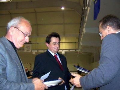 Nagrody najlepszym zawodnikom wręczał prezydent Piotr Roman